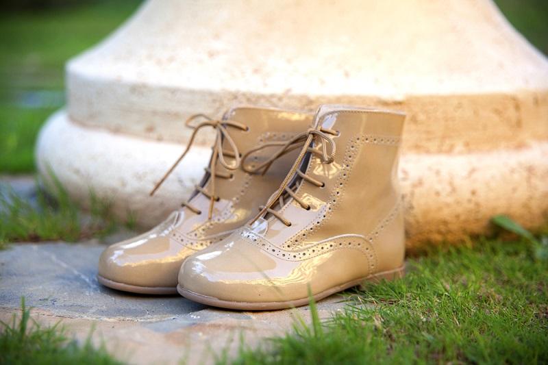 Come pulire le scarpe di vernice affinché risplendano