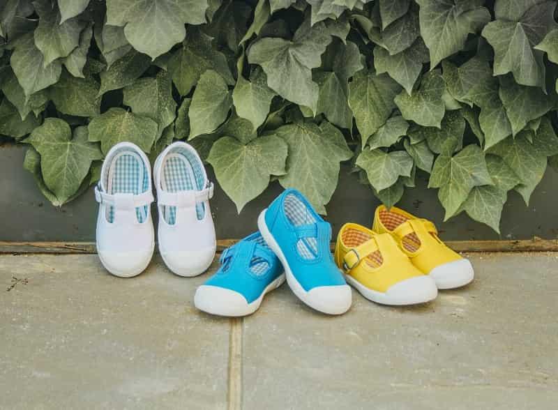 Come pulire le scarpe di tela, per bambini, bambine e grandi