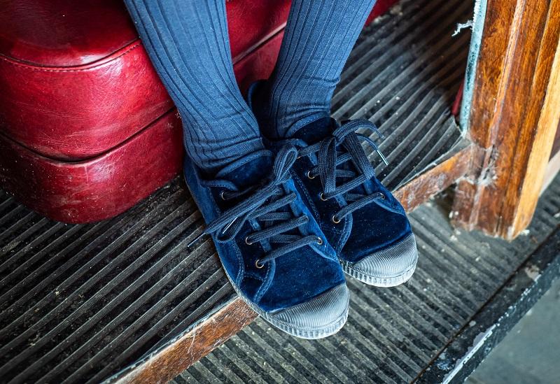 Come pulire le scarpe di velluto e renderle come nuove