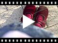 Video from Scarpe ballerine con cinturino in velluto con bottone Velcro per bambine