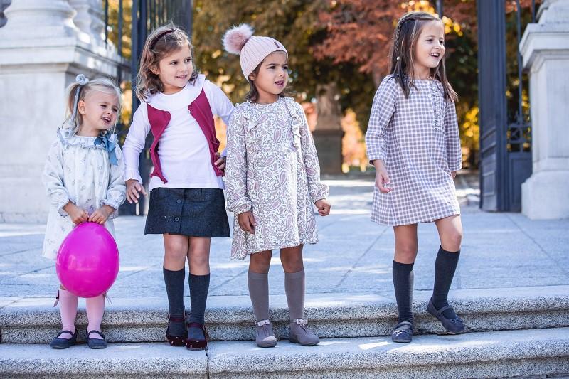 Scarpe alla moda per bambine